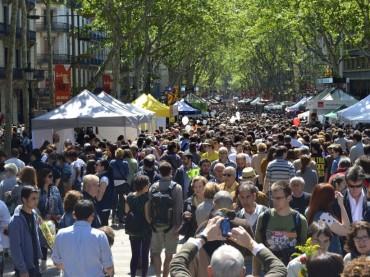 Festa di Sant Jordi, libri e rose a Barcellona