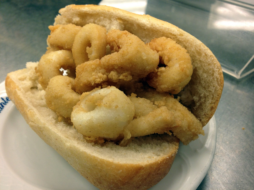 Bocadillo de calamares. Foto: LWYang