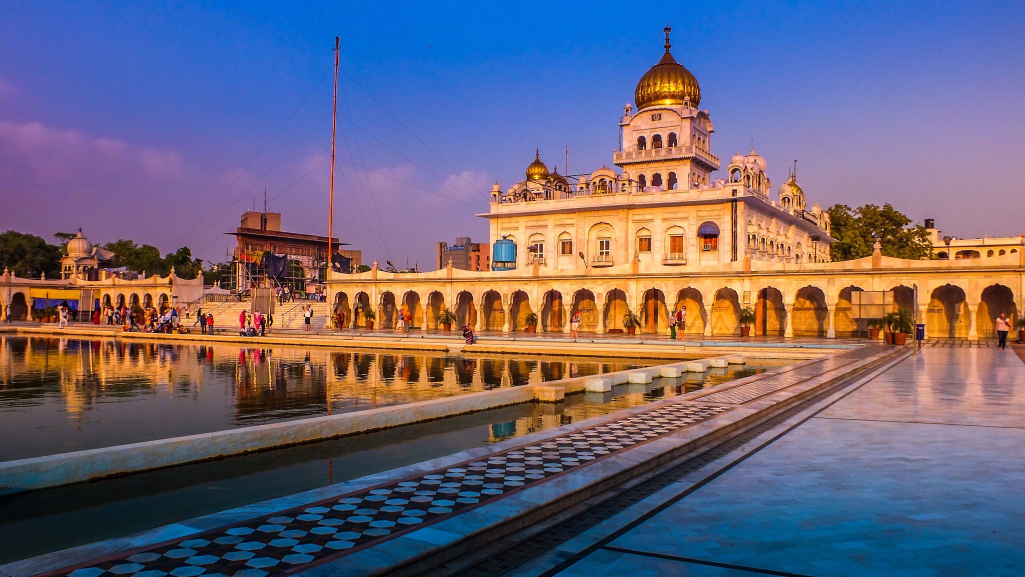 Tempio Gurdwara Bangla Sahib a Nuova Delhi