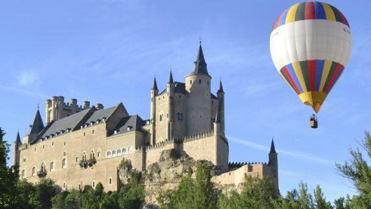 Volo in mongolfiera su Toledo e Segovia -città patrimonio dell'umanità