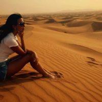 Sarah Sallam e la battaglia contro gli stereotipi: da ingegnere petrolifero a icona femminile