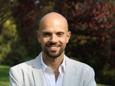 Il colpo di fulmine professionale di Giulio Tamacoldi, da dipendente a coach a Parigi