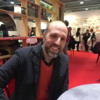"""Lorenzo Marone: """"Napoli per uno scrittore è un regalo continuo"""""""