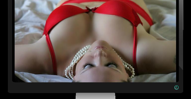 """Revenge porn: luci e ombre della legge contro le """"porno vendette""""."""