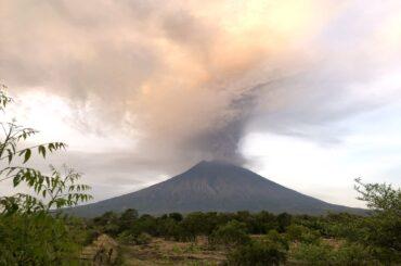 A Bali con la paura del vulcano