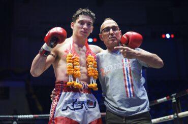 Da Torino alla Thailandia per crescere un campione di Muay Thai. La storia di Roberto Gallo Cassarino e suo figlio Mathias