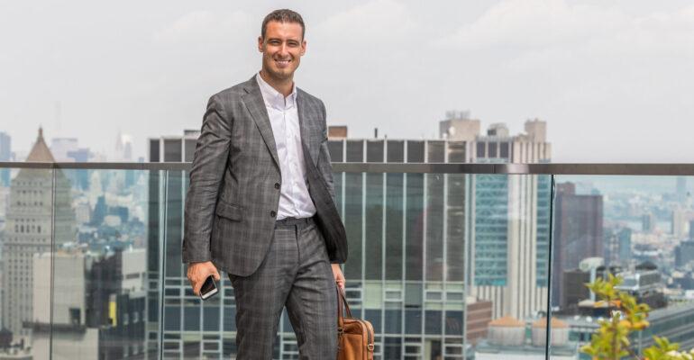 Alex Carini, il giovane fondatore dell'agenzia immobiliare italiana più prestigiosa di New York